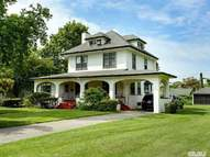 153 S Windsor Ave Brightwaters NY, 11718
