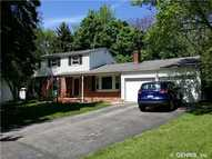 98 Sandoris Cir Irondequoit NY, 14622