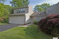 15 Dickerson Ct Port Jefferson NY, 11777