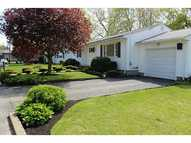 14 Julia Dr North Providence RI, 02911