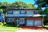 23 Midwood Dr Plainview NY, 11803
