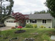 1711 Spruce St Myrtle Point OR, 97458