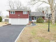 43 E Secatogue Ln West Islip NY, 11795