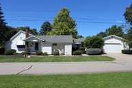 422 W 2nd St Albany IN, 47320