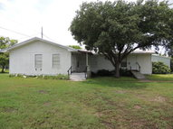 609 S 6th Street Seadrift TX, 77983