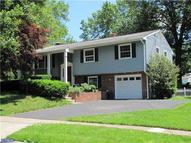 37 Kirby Dr Morrisville PA, 19067