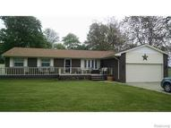 26251 Waltz Road New Boston MI, 48164