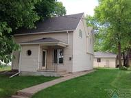 616 E 4th St Canton SD, 57013