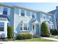 552 Applewood Ct Aston PA, 19014