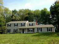 17 Carriage Dr Burlington CT, 06013
