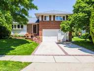 14 Parkway Dr Syosset NY, 11791
