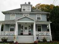46-48 Squire St New London CT, 06320
