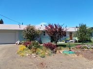 88 Clearview Dr Roseburg OR, 97471