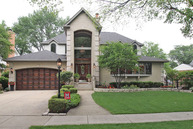 800 West Cathy Lane Mount Prospect IL, 60056