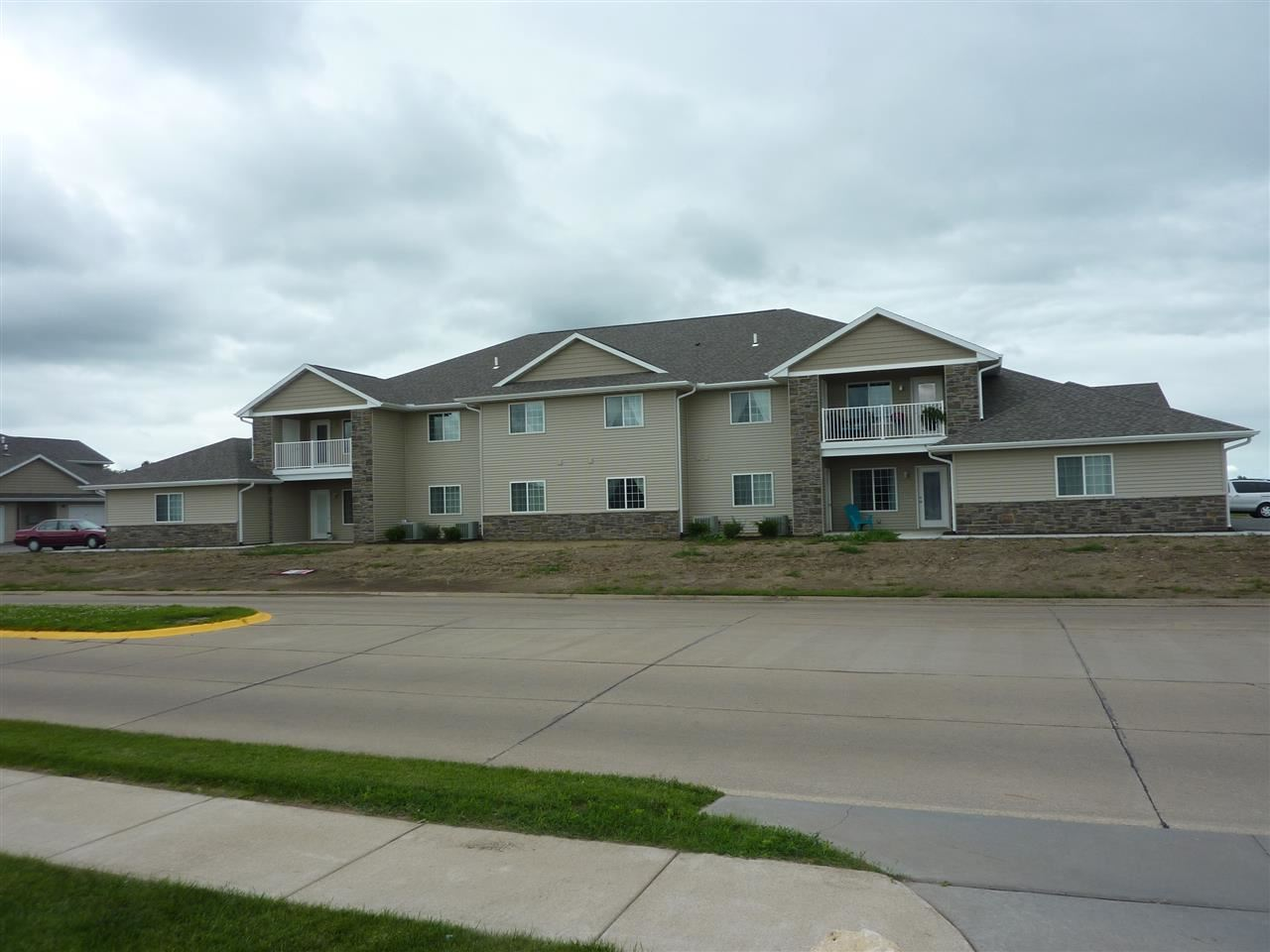 210 E Franklin Street Unit 203 Eldridge IA, 52748