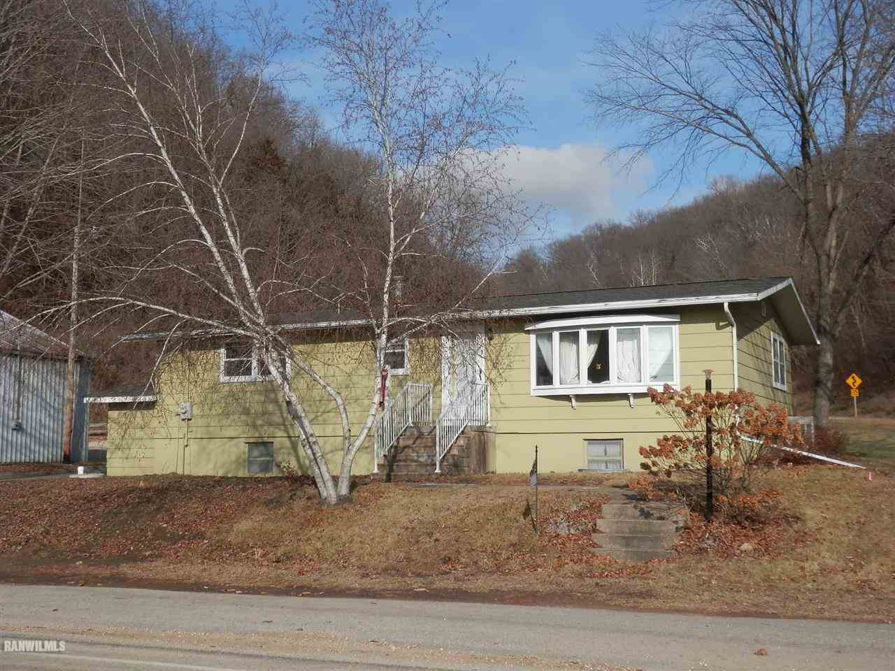 11712 County Road Vv Cassville WI, 53806