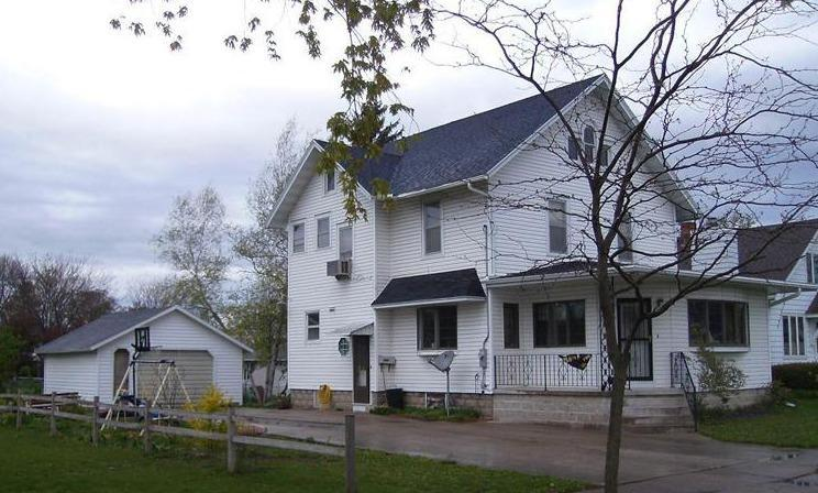 605 State St Dysart IA, 52224